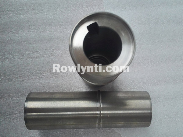 Titanium shaft sleeve